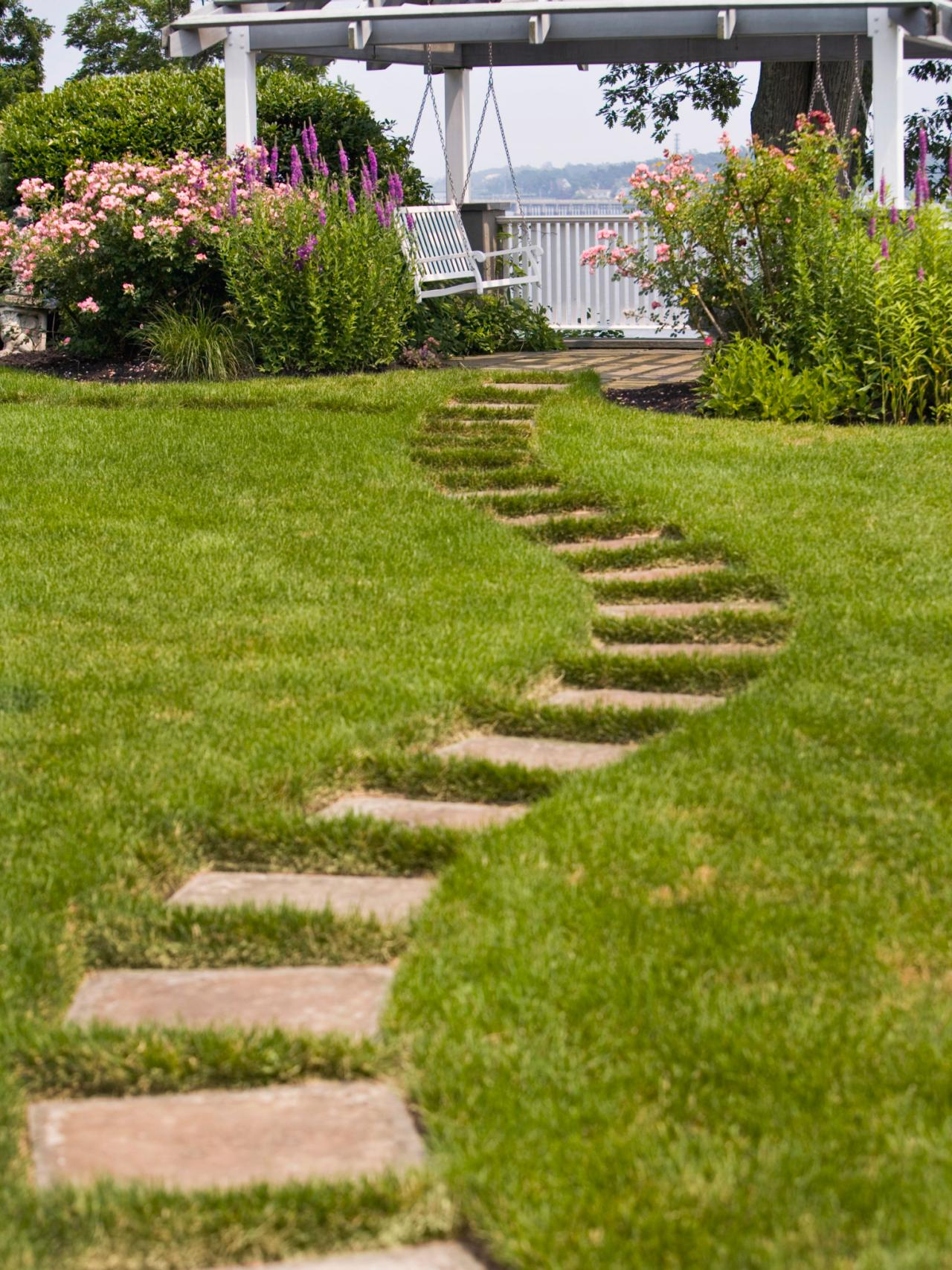 10 stunning landscape ideas for a sloped yard page 6 of for Landscaping ideas stone path