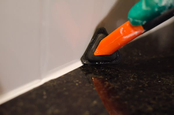 How to apply backsplash tile