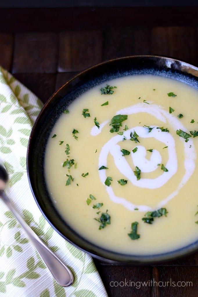 Irish-Potato-Leek-Soup-cookingwithcurls.com_