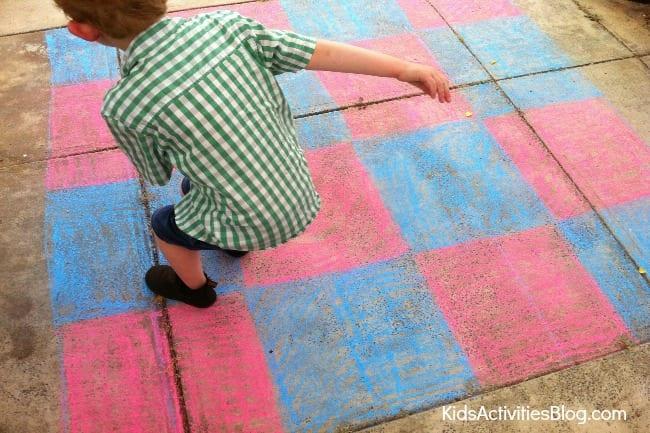 Outdoor-chalk-gameboard-5