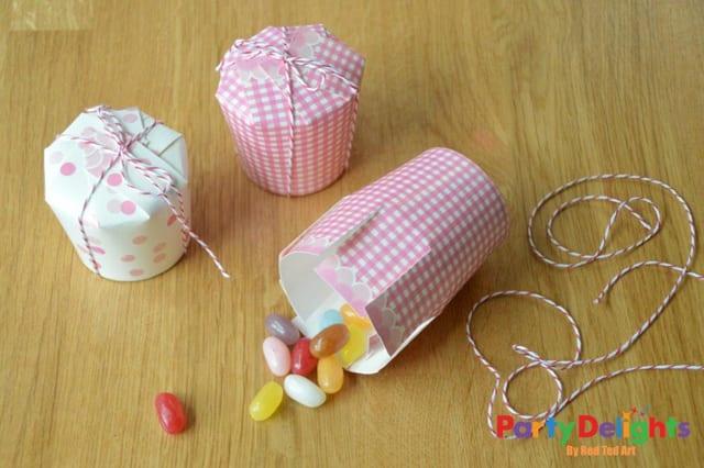 Paper-Cup-Crafts-Simple-Treat-Box-DIY1