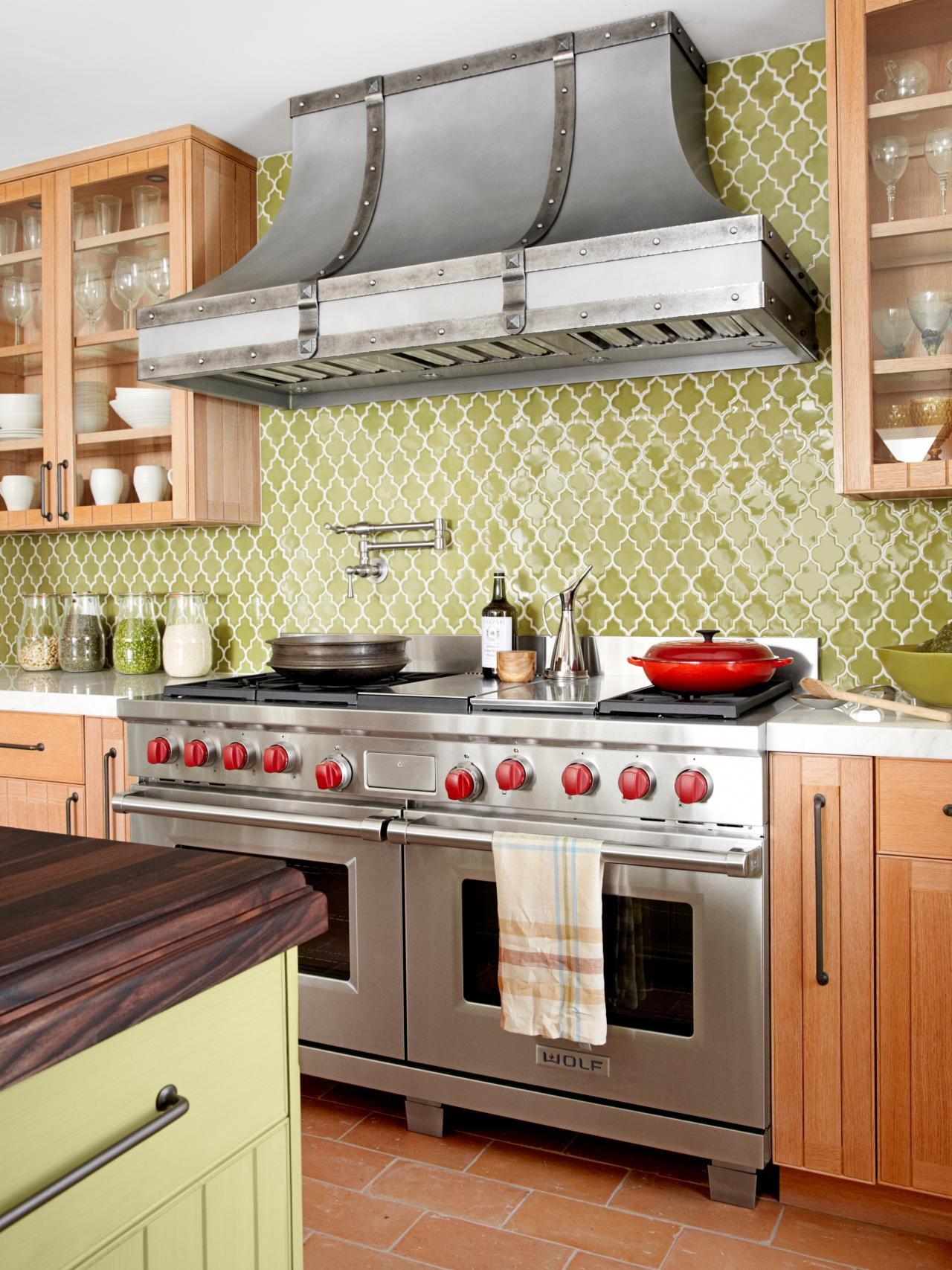 Trendy Paint Colors for Your Kitchen2