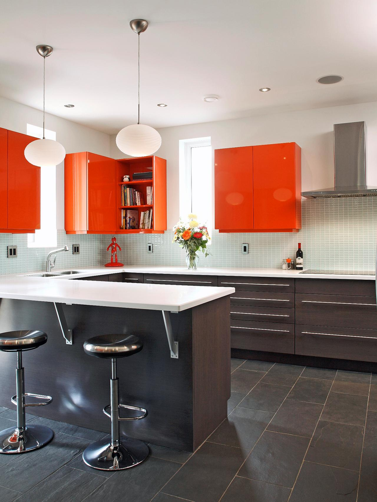Trendy Paint Colors for Your Kitchen3
