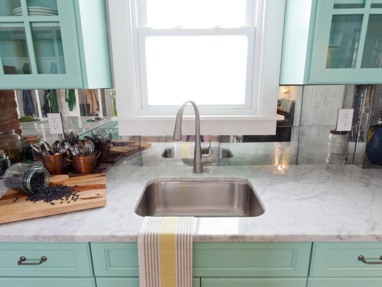 Trendy Paint Colors for Your Kitchen5