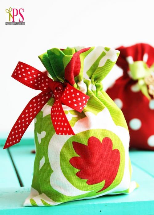fabric-drawstring-gift-bag-tutorial