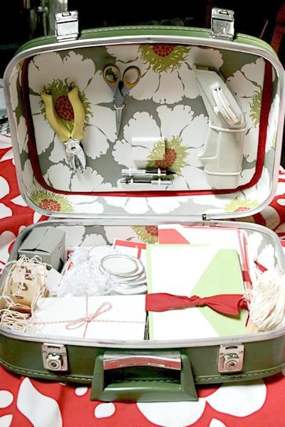 suitcase_writing_studio