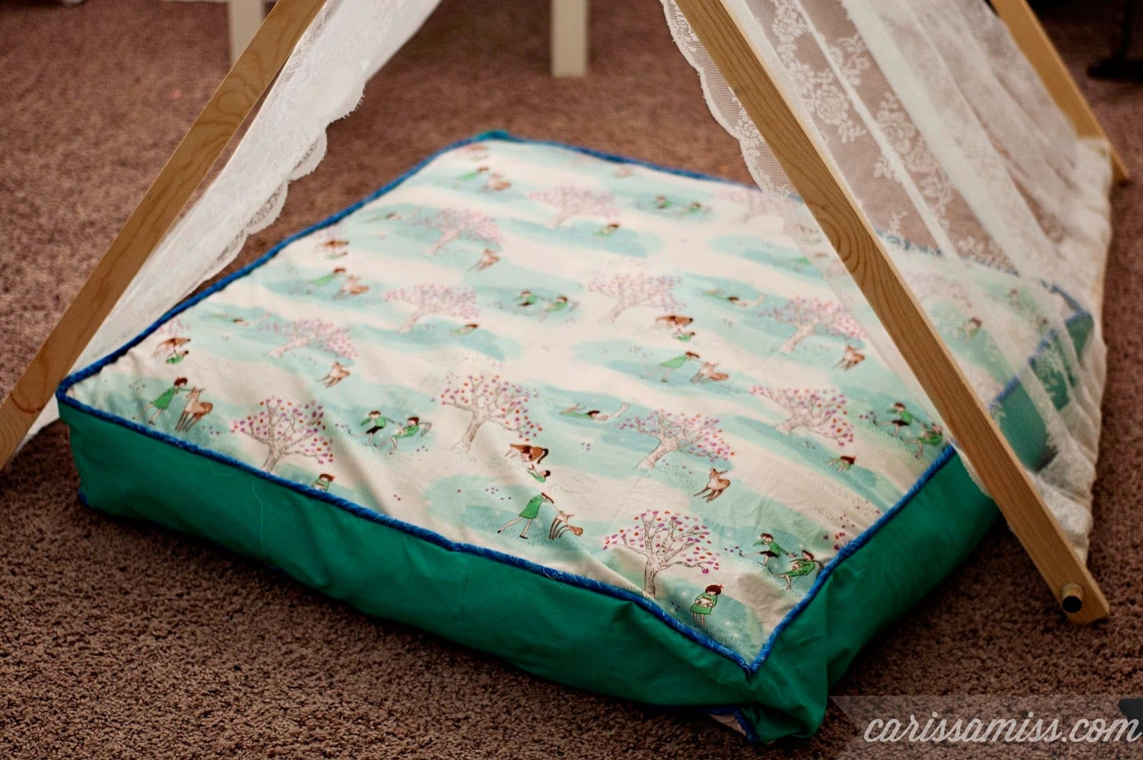 Floor Pillows Playroom : 12 Ways to Decorate a Playroom - Page 3 of 13 - How To Build It