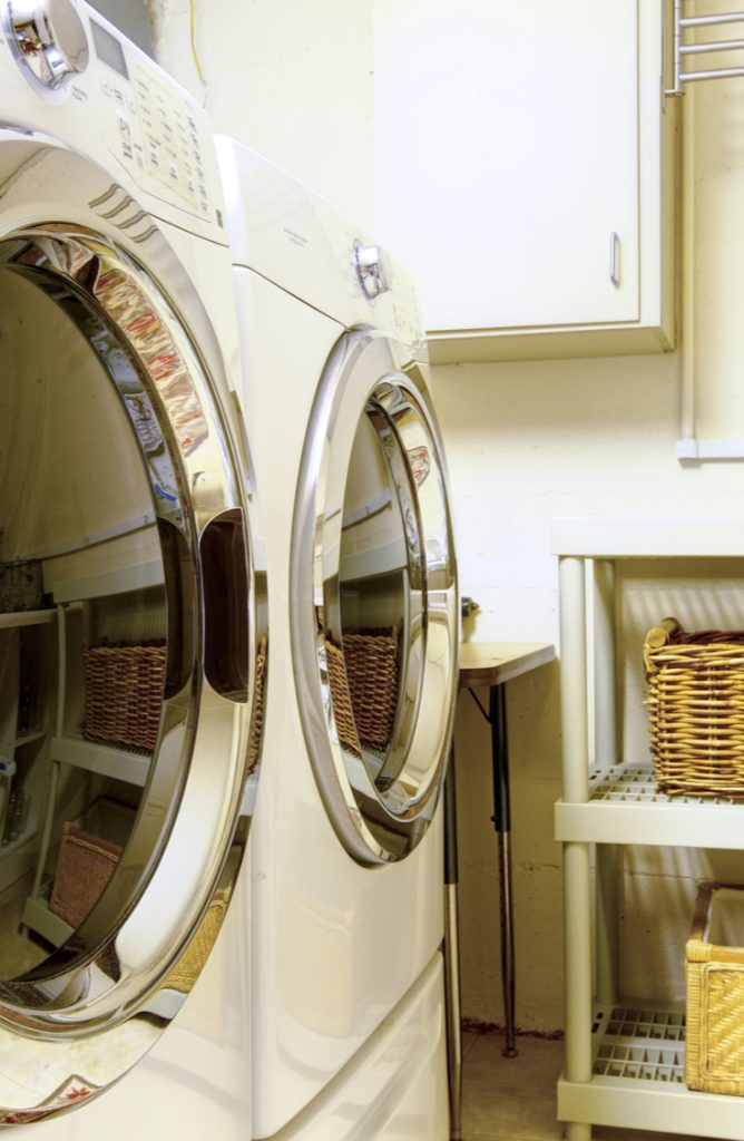Ugh, the laundry room. It causes great sighs often in my home. Laundry is just one of those chores that is never fun. But if you can decorate a space and make it a fun one to be in, chores aren't really that bad after all right? Here are a few easy ways to spruce up a small laundry area. Check them out!