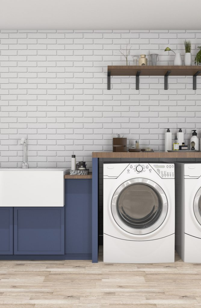 Ugh, the laundry room. It causes great sighs often in my home. Laundry is just one of those chores that is never fun. But if you can decorate a space and make it a fun one to be in, chores aren't really that bad after all right? Here are a few easy ways to spruce up a small laundry area. Take a look!