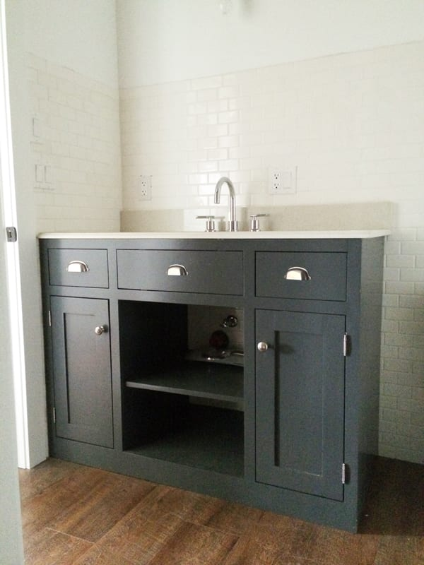 Easy DIY remodel projects-custom anna white vanity