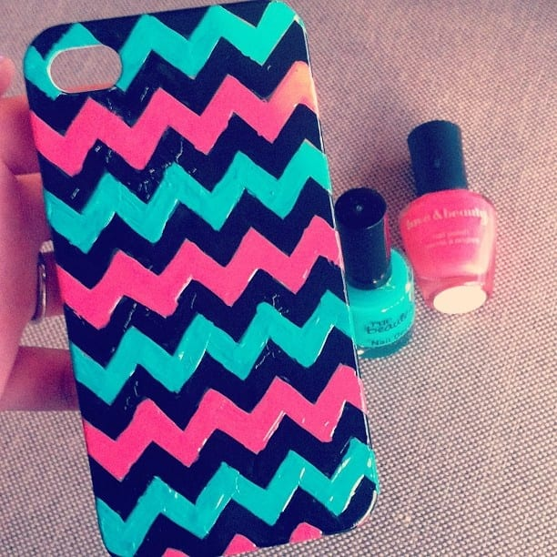 DIY phone cases, projects, DIY projects, DIY projects for teens, popular pin, home DIY, crafting, crafting hacks, DIY projects, homemade phone cases.
