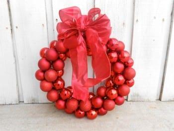 18 Dollar Store Christmas Decorations18