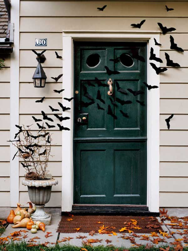 20 Ways to Decorate Your Porch for Halloween3