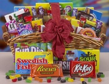 18-diy-christmas-gift-baskets-perfect-for-teens15