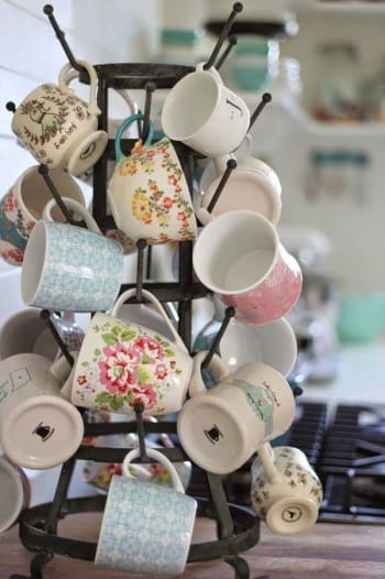 20-genius-ways-to-store-your-coffee-mugs2