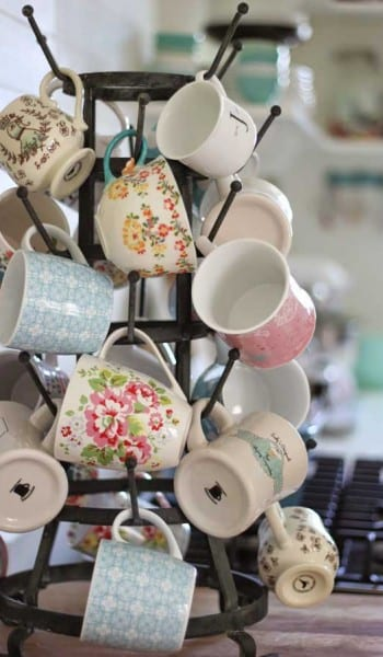 Storage hacks, storage tips and tricks, popular pin, storing coffee mugs, DIY home, home decor, DIY home decor, easy home storage.