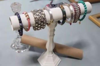 10-diys-perfect-for-storing-jewelry4
