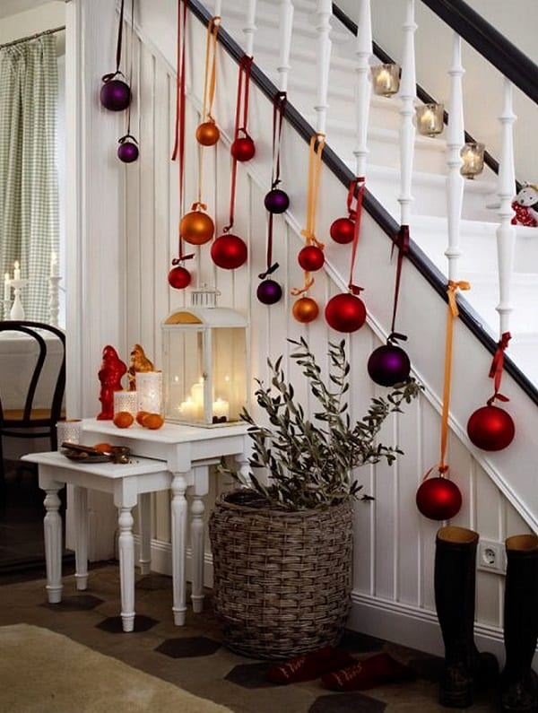 15-ways-to-decorate-with-ornaments-not-on-your-christmas-tree10