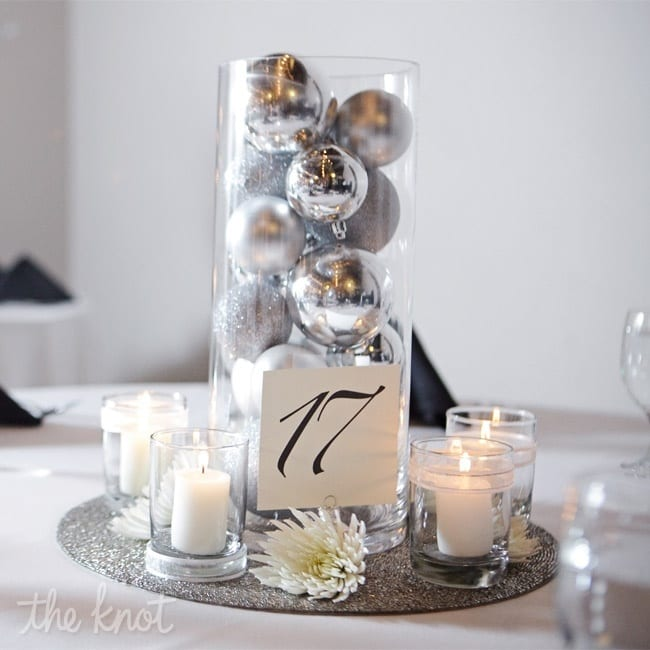 15-ways-to-decorate-with-ornaments-not-on-your-christmas-tree11