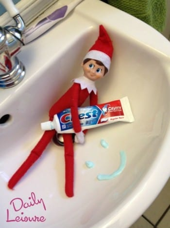 18-clever-elf-on-the-shelf-ideas7