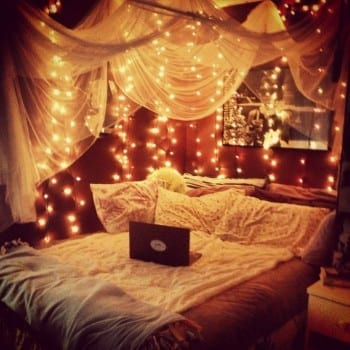 25-ways-to-decorate-with-christmas-lights3