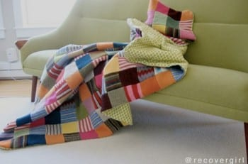 10-crazily-creative-ways-to-decorate-with-old-sweaters2