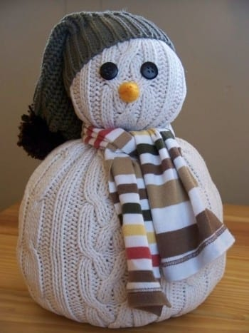 10-crazily-creative-ways-to-decorate-with-old-sweaters3