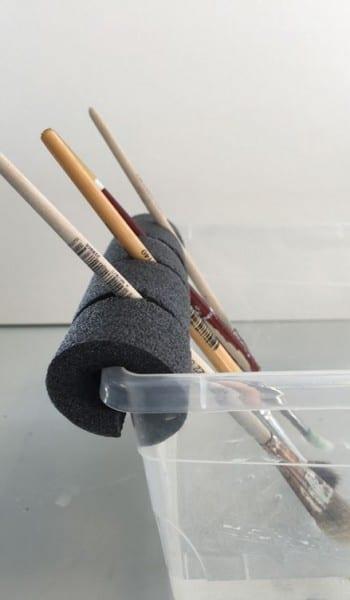 Furniture Painting Hacks, Furniture Painting Tips, How to Paint Furniture, DIY Hacks, Crafting Hacks, Crafting Tips and Tricks, Easy Ways to Paint Furniture, Furniture Painting Tips and Tricks.
