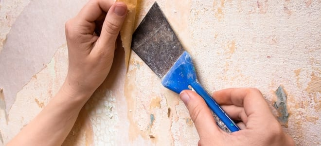 Painless Ways to Remove Wallpaper – How To Build It| How to Remove Wallpaper, Easily Remove Wallpaper, How to Easily Remove Wallpaper, DIY Home Projects, Home Projects, DIY Tips and Tricks, DIY Home Projects, Simple Projects for the Home