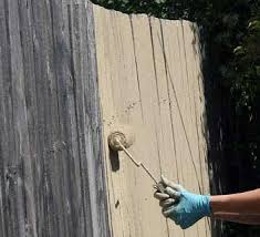 How to Paint a Fence–Fast! | How to Paint Your Fence, Painting Tips and Tricks, Backyard Projects, DIY Backyard Projects, Outdoor Living, Outdoor DIY, Outdoor DIY Projects, Popular Pin