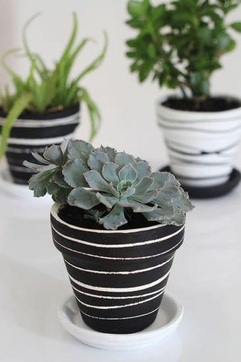 Terra Cotta Pots, Terra Cotta Pot Crafts, Terra Cotta Tile Floors, Terra Cotta Pot Crafts Painting, DIY Crafts, Crafts, Craft Proejcts, Easy Crafts, Easy Crafts for Kids