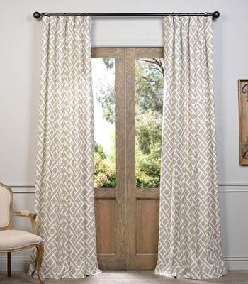 Do You Know the Correct Way to Hang Curtains? Hang Curtains, Cool Ways to Hang Curtains, Hanging Curtains, DIY Curtains, DIY Home, DIY Home Decor, How to Hang Curtains, Hanging Curtains the Right Way, Popular Pin