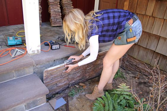 Clever Ways to Dress Up An Ugly Foundation| Foundation, DIY Foundation, Foundation Remodel, Remodel your Foundation, Hide Your Ugly Foundation, How to Hide Your Ugly Foundation, Curb Appeal, Easy Curb Appeal, Simple Curb Appeal Projects, Curb Appeal Projects for the Home, Easy Home Remodels, Popular Pin #RemodelYourFoundation #CurbAppeal #CurbAppealProjects