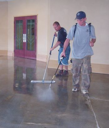 Painting Your Concrete Floor Will Make it Look AMAZING| Painted Home, Painted Home Hacks, Paint Your Flooring, How to Paint Your Flooring , DIY Flooring, Painted Home, Painted Home Stuff, Popular Pin #DIYFlooring #PaintedFlooring #PaintedHome