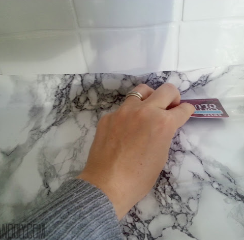 Build Fake Marble Countertops| Countertops, How to Install New Countertops, DIY Home, Home Improvements, Home Improvement Projects, DIY Countertops, Countertop DIYs, Easy Home Improvements, Popular Pin #DIYCountertops #HomeImprovements