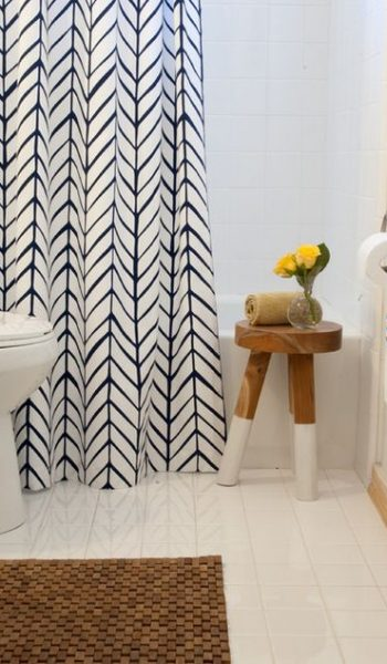 Revamp Your Bathroom For Only $25  Bathroom Ideas, Bathroom Decor, Bathroom Remodel, Bathroom Remodel On a Budget, Bathroom Remodel Ideas, Bathroom Remodeling #BathroomRemodel #BathroomRemodelOnABudget #BathroomRemodelIdeas #BathroomRemodeling