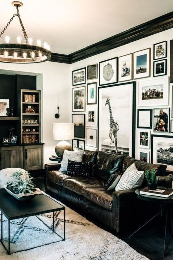 The Right Way to Hang A Gallery Wall  Home  DIY, DIY Home Decor, DIY Crafts, Gallery Wall Ideas, Gallery Wall Layout, Gallery Wall , Gallery Wall Ideas Living Room, Gallery Wall Living Room #GalleryWall #GalleryWallIdeas #GalleryWallLayout