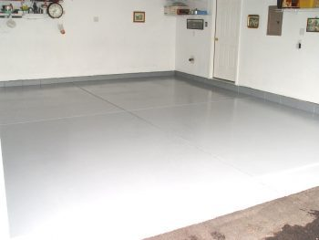 Easy Tips for Painting A Garage Floor (And Making It Last)| Painting Garage Floors, Painting Tips, Garage Painting Tips, Painting Tips and Tricks, Garage Floor Ideas