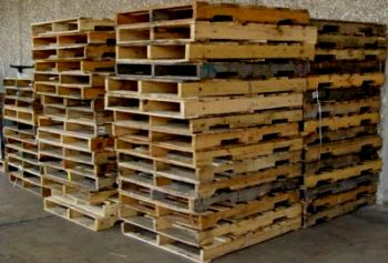 How to Make A New Pallet Wall  Pallet Wall, DIY Pallet Wall, Pallet Projects, Pallet Ideas, DIY Home, Home Decor, Home Decorating Ideas, DIY Project