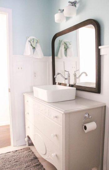DIY Vanity For a Farmhouse Bathroom | Farmhouse Bathroom | Farmhouse Bathrrom Vanity | DIY Vanity | DIY Farmhouse Bathroom Vanity