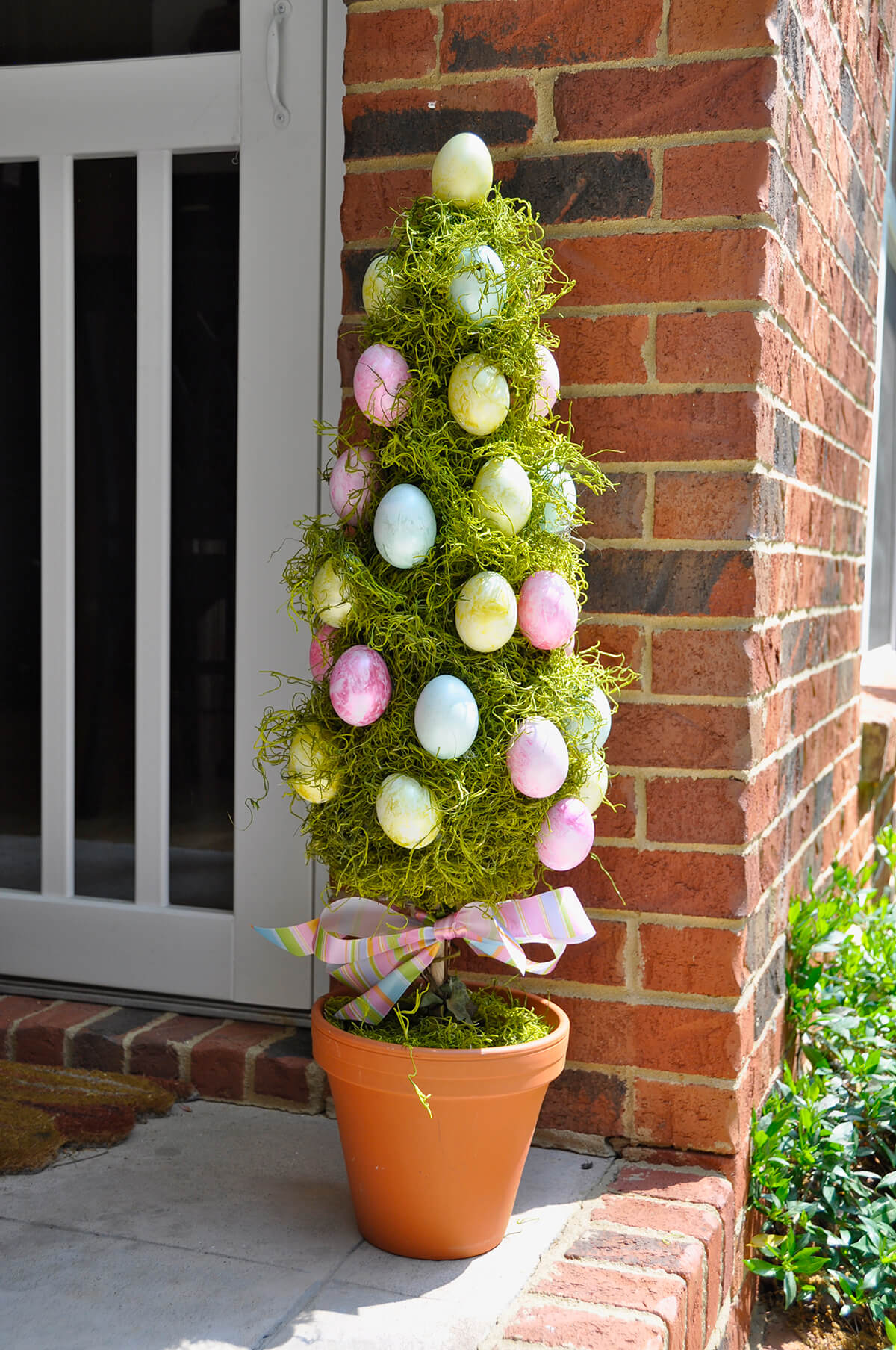 DIY Easter porch decor ideas | Easter | porch | porch decor | decor | porch decor ideas | Easter porch decor | Easter porch decor ideas