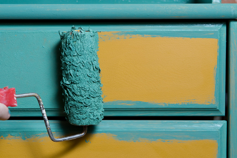 laminate | how to paint laminate furniture | paint laminate furniture | laminate furniture | painted furniture | paint | painting tips | tips and tricks