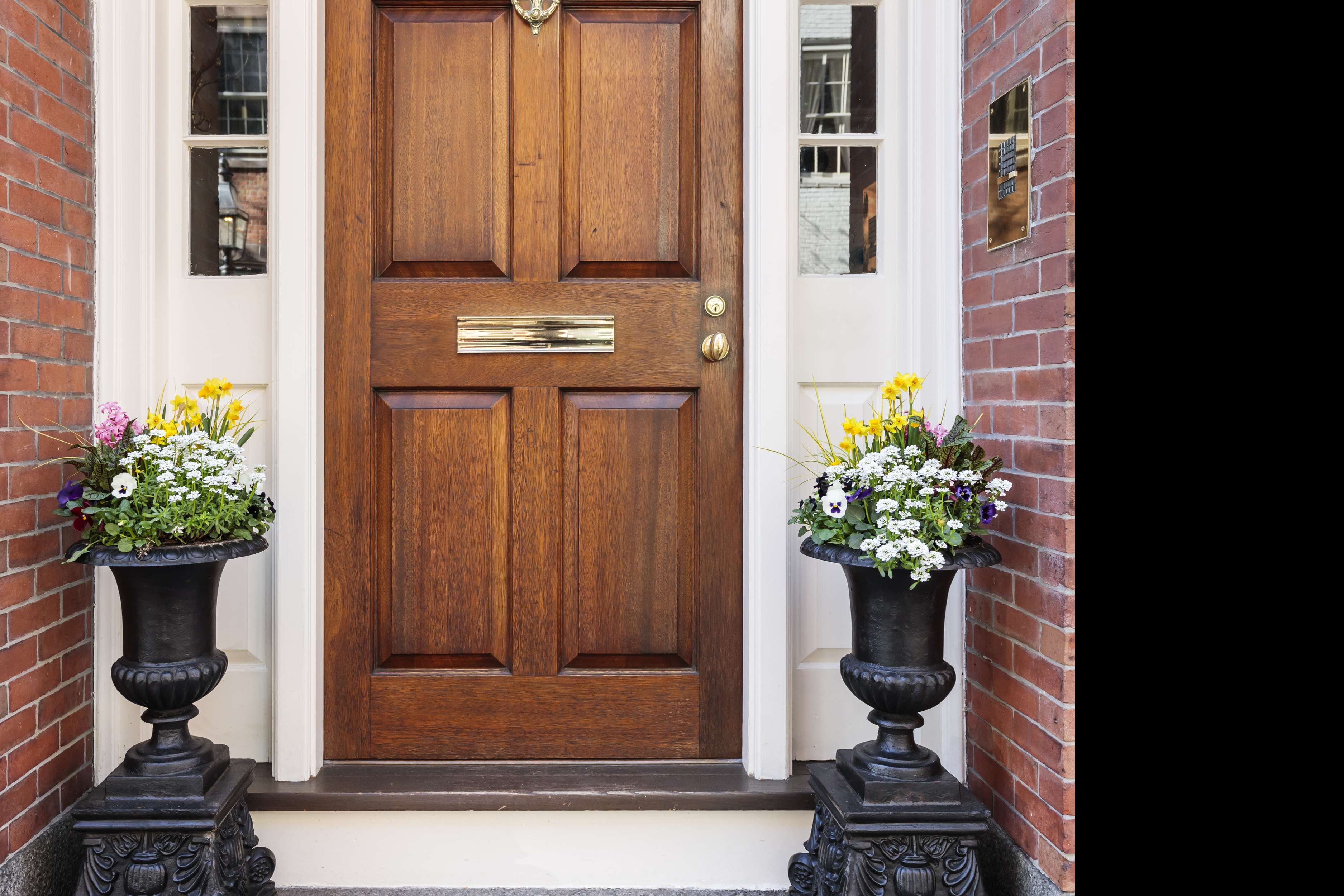 front door | homeowner | homeowner protection tips | safety tips | home safety | safety