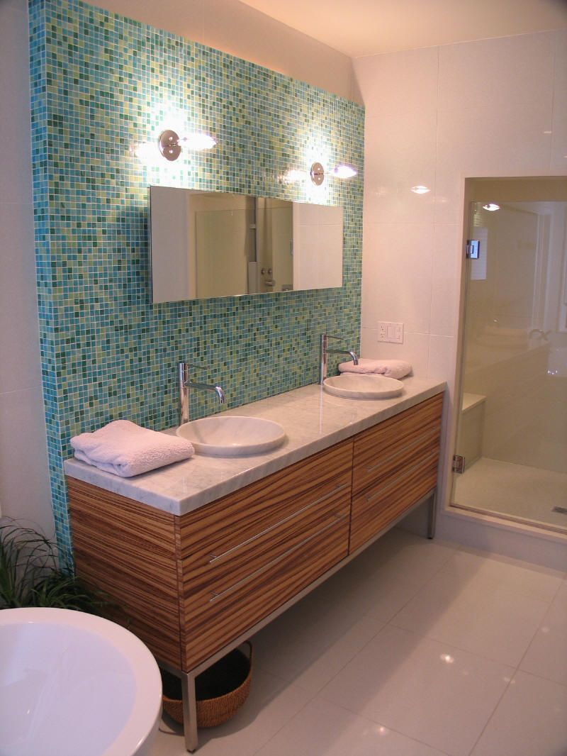 Are you into the mid-century modern look? If so, these vintage bathroom tile ideas are for you! You'll love the way your bathroom looks!