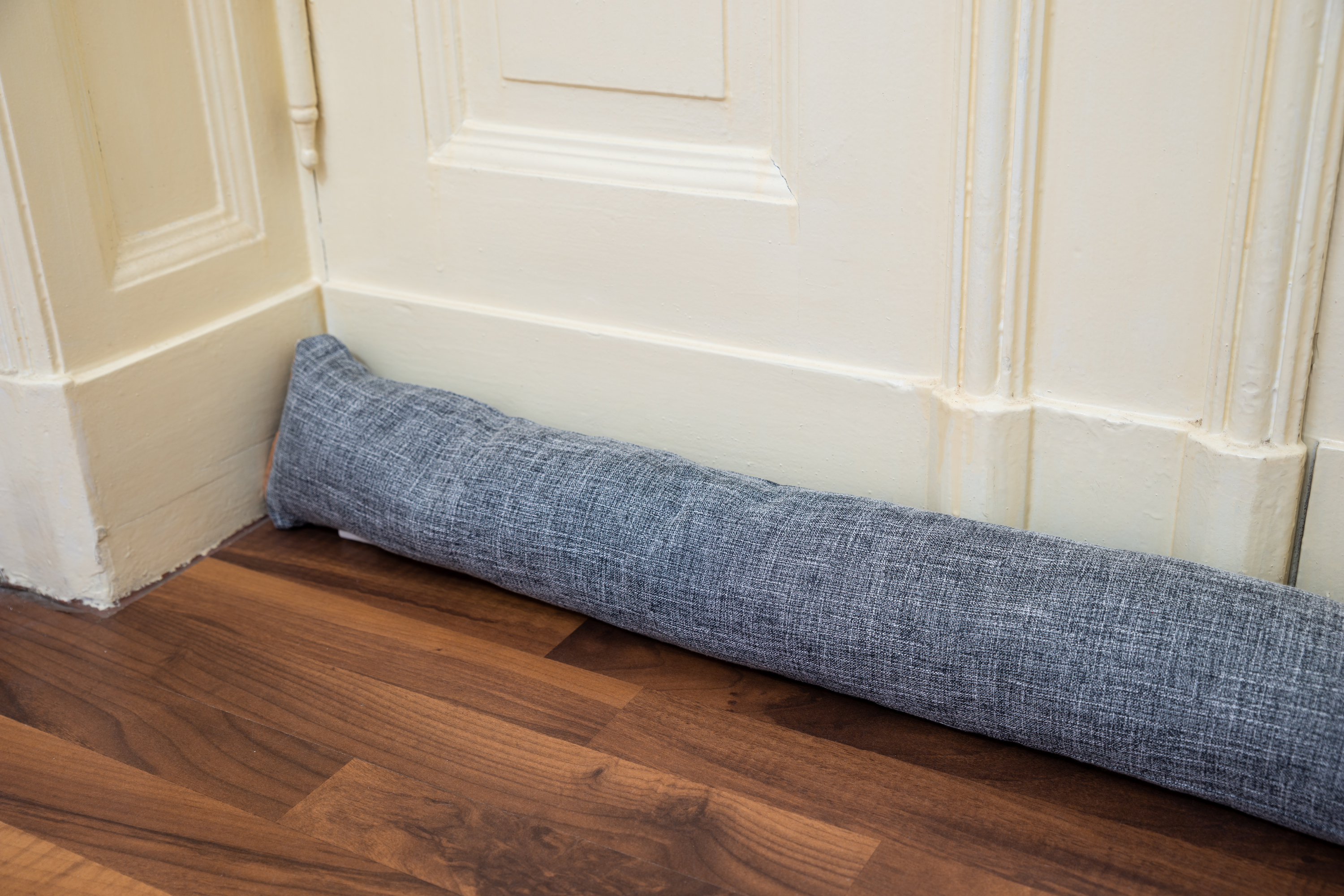 There is nothing worse than letting your home get cold because you have a draft coming from your door. Here are some great ways to prevent door drafts. Draft guards really do make such a difference.
