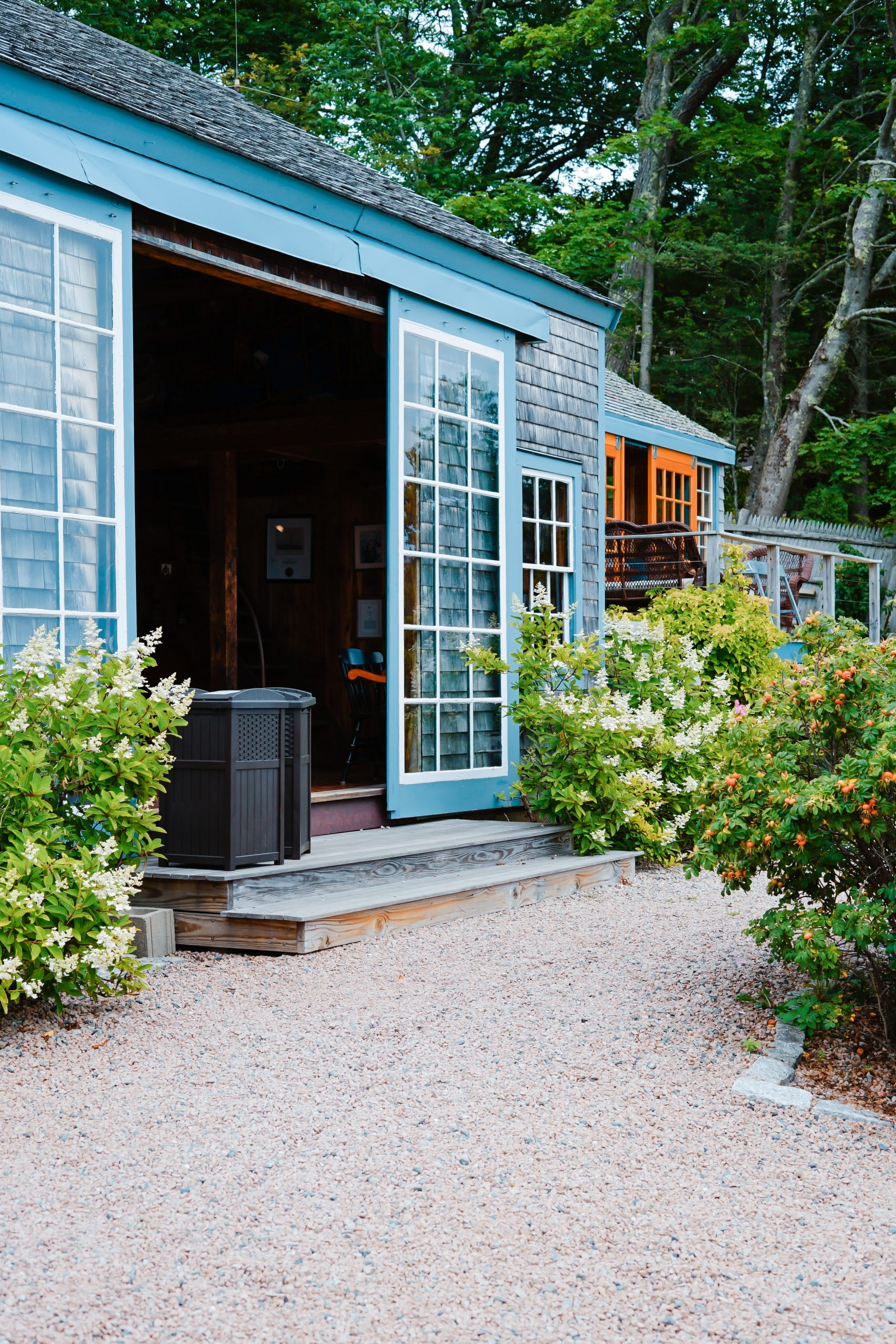 Do you know about granny pods/backyard cottage? They are the best way to keep your loved ones close to you! We have the best granny pods/backyard cottage floor plans that you will love!