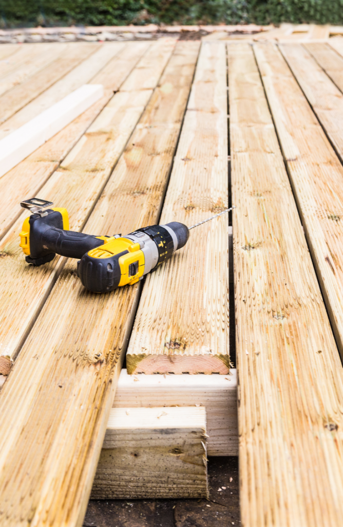 Summer is here and it's time to renovate that deck of yours! It doesn't matter what kind of budget you are on, these DIY deck renovation ideas are great for all! You will love how easy these are!