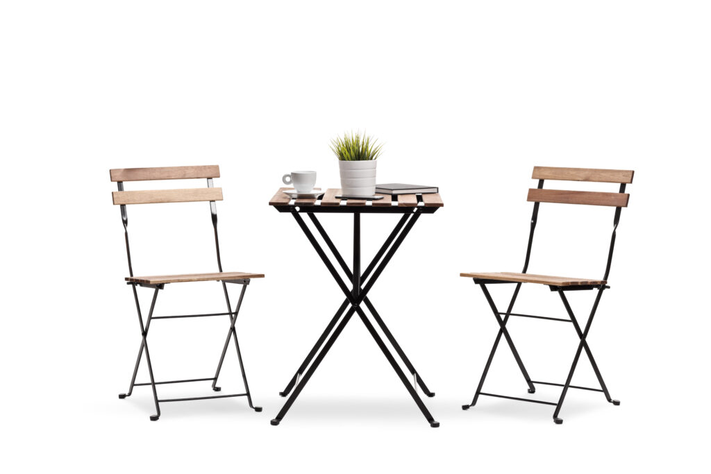 Making a cost-effective folding table