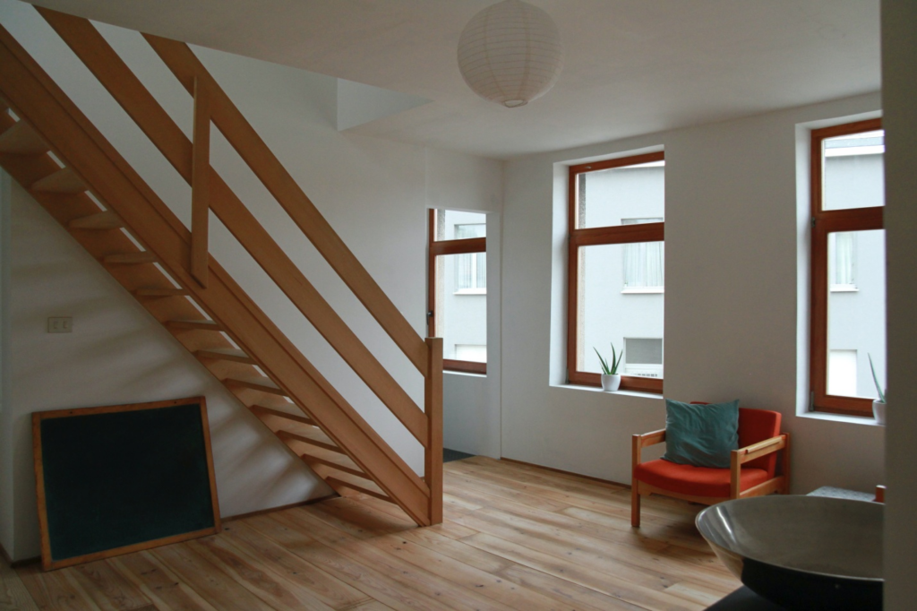 How to refinish wood stairs without sanding