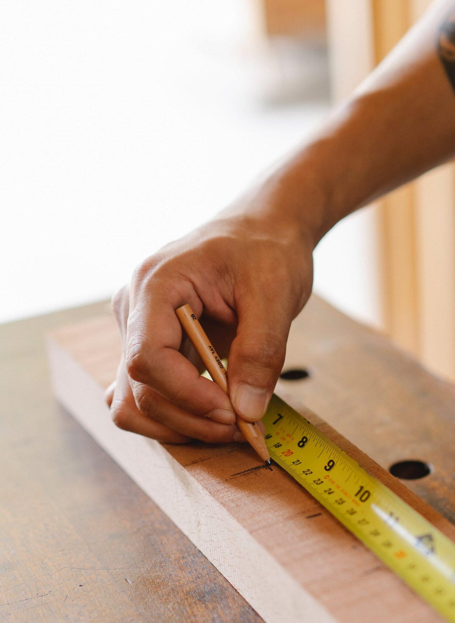 Black diamond on a tape measure